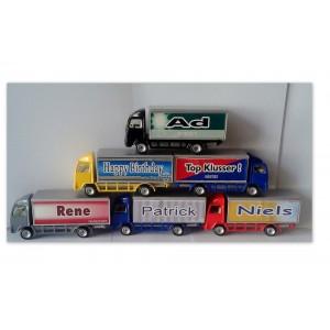 Vrachtwagentjes met naam of tekst